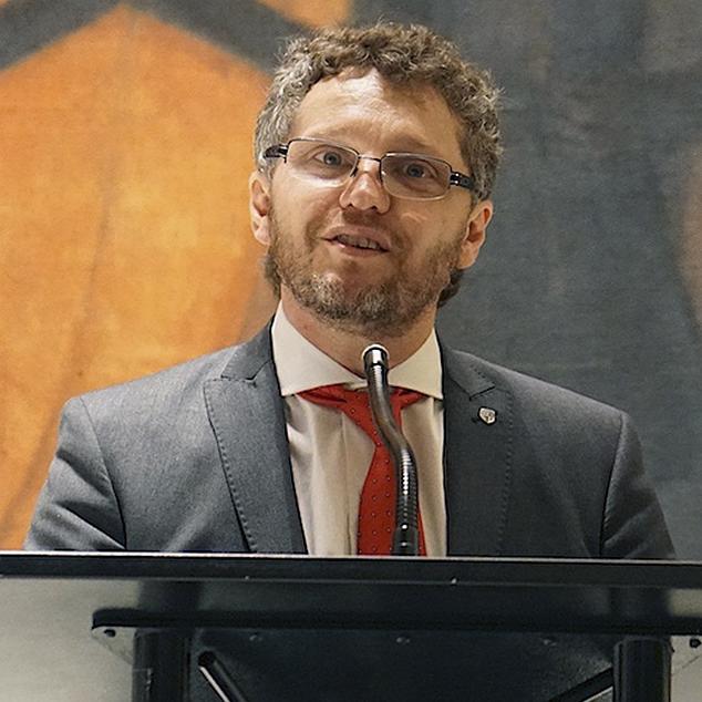 Prof. Dr. FABIÁN SALVIOLI