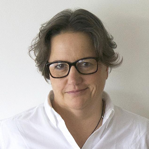 Prof. Dra. LIORA LAZARUS