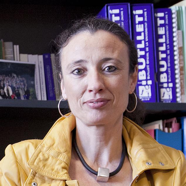 Prof. Dr. Mª LUISA CUERDA ARNAU